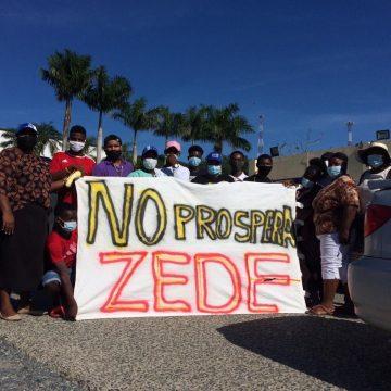 Pobladores de Crawfish Rock protestan contra ZEDE en Roatán
