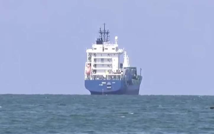 Arriba barco con otros dos hospitales móviles, ahora faltan tres