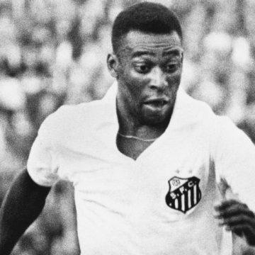 Cumpleaños del crack: Pelé jugó cuatro veces de portero y se lució