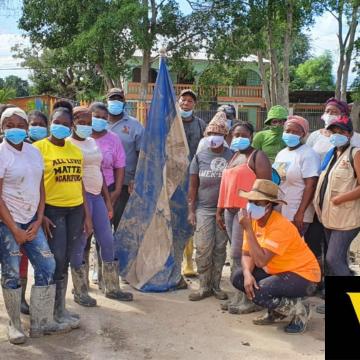 La excursión más noble: Garínagu llegan para apoyar en la limpieza de casas en San Pedro Sula
