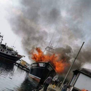Garífuna y su compañero mueren en incendio en bote pesquero en Roatán