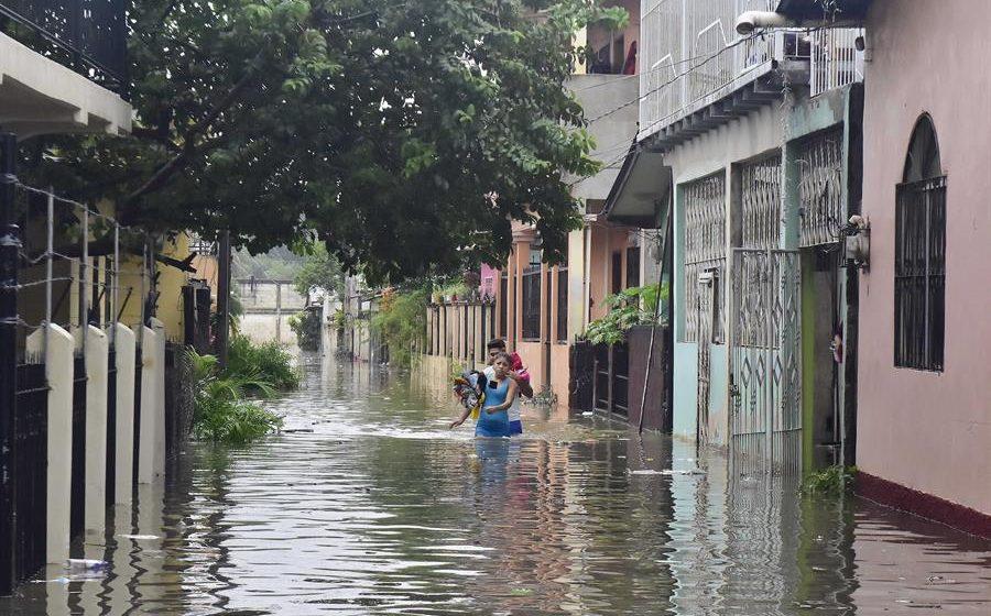 ETA, lejos de Honduras, pero con un costo enorme para el país