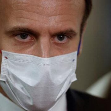 Presidente de Francia dice estar conmocionado por golpiza de policías a joven negro