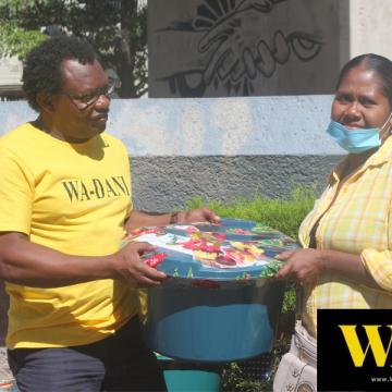 WA-DANI entrega canastas familiares, obsequios de donantes amigos del Portal