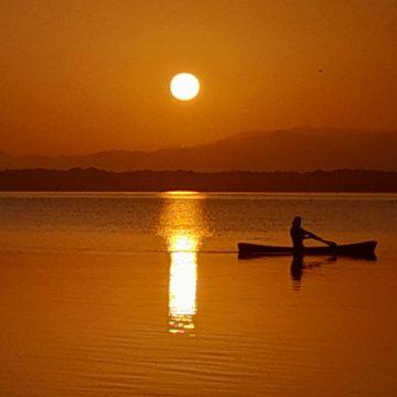 Laguna de los Micos: Donde el sol baja a la tierra en Honduras