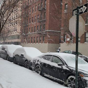 Nueva York se congela, no para de caer nieve