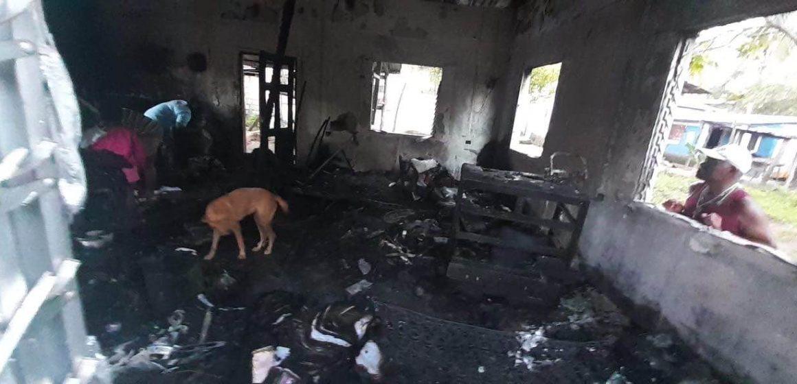 Se incendia taller de emprendedor garífuna.¡ Urge ayuda, démosle una mano!
