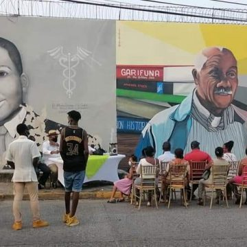 Develan mural en honor al extinto escritor e intelectual garífuna Hipólito Centeno