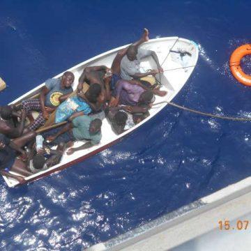 Itaralá, Itaralá! a salvo 10 de los 15 marinos garínagu del Falling Star